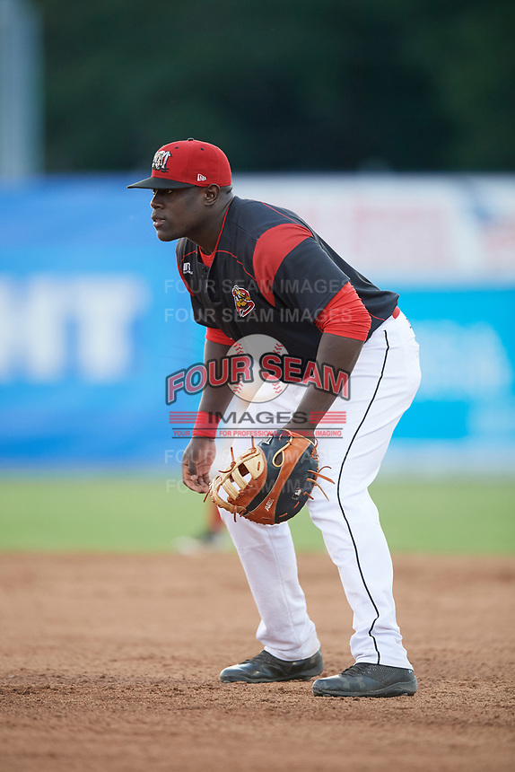 Batavia Muckdogs first baseman Lazaro Alonso (19) during a game against the Auburn Doubledays on June 19, 2017 at Dwyer Stadium in Batavia, New York.  Batavia defeated Auburn 8-2 in both teams opening game of the season.  (Mike Janes/Four Seam Images)