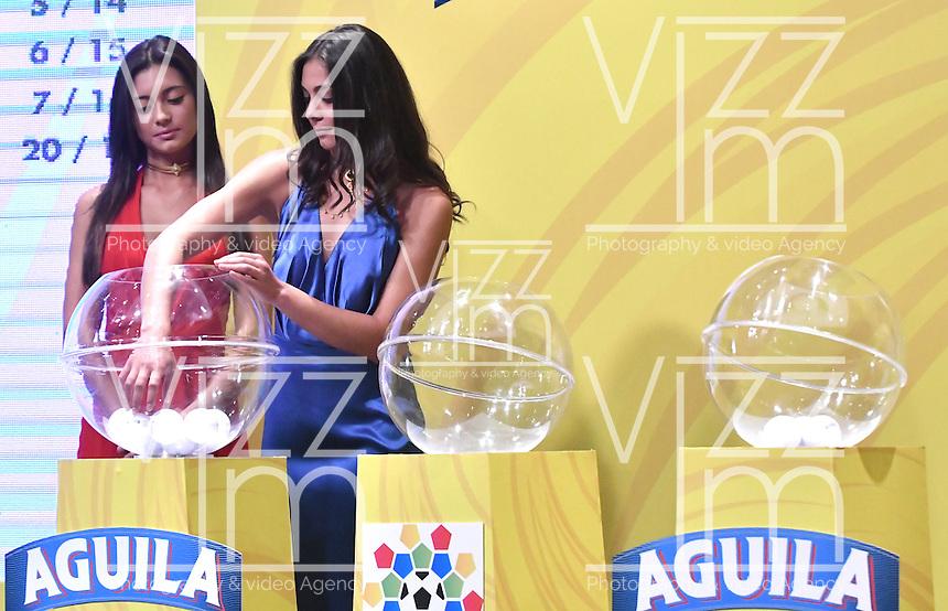 BOGOTA - COLOMBIA - 17-01-2017: A models during the Dimayor draw for the championship Liga Aguila I 2017. Photo: VizzorImage / Luis Ramírez / Staff.