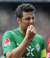 FUSSBALL   1. BUNDESLIGA   SAISON 2011/2012   32. SPIELTAG SV Werder Bremen - FC Bayern Muenchen               21.04.2012 Claudio Pizarro (SV Werder Bremen)  enttaeuscht