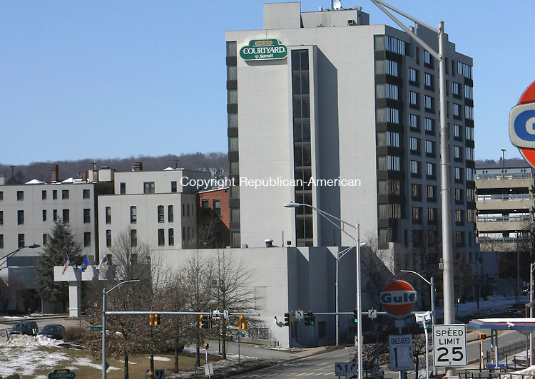 WATERBURY, CT 05 MARCH 2005  030505JW08.JPG -- Building mug of the Courtyard By Marriott Hotel. JONATHAN WILCOX PHOTO