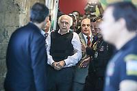 SAO PAULO, SP, 20.08.2014 - PRISAO EX MEDICO ROGER ABDELMASSIH - O ex medico Roger Abdelmassih de 70 anos que foi recapturado na cidade de Assunção no Paraguai ele foi condenado a 278 anos de prisão, e era procurado desde 2011, chega ao Aeroporto de Congonhas, na zona sul de São Paulo, na tarde desta quarta-feira, 20. (Foto: William Volcov / Brazil Photo Press).