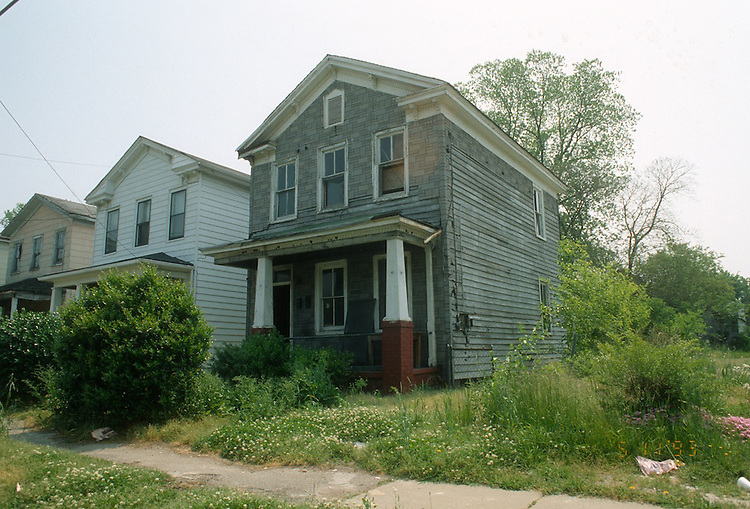 1993 May 11..Conservation.Central Brambleton..ACQUISITION.826 MALTBY AVENUE...NEG#.NRHA#..