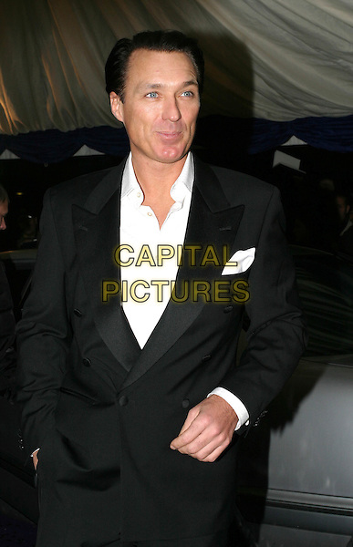 MARTIN KEMP  .British Comedy Awards at London Television Studios .10 December 2003.half length, half-length.www.capitalpictures.com.sales@capitalpictures.com.© Capital Pictures.