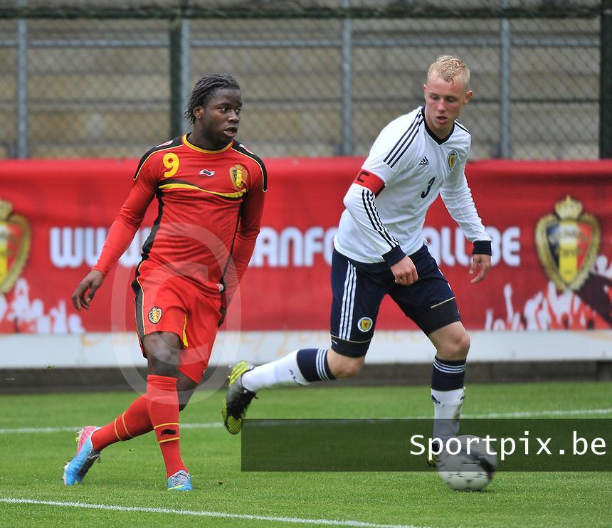 Scotland U19 - Belgium U19 : Nathan Kabasele (9) and Jack Grimmer.foto DAVID CATRY / Nikonpro.be