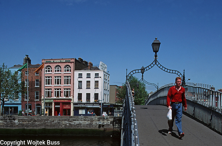 Ireland ,Dublin,Halfpenny Bridge