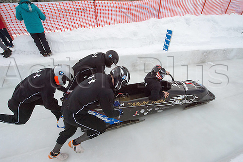 05.02.2016. St Moritz, Switzerland. FIBT 4-Man bobsleigh world championships. Practise day.  Steven Holcomb (USA) leads his team down the course