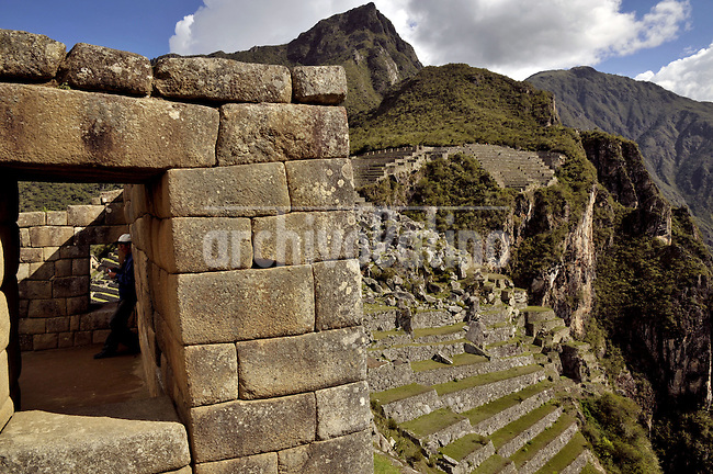 Machu Picchu ruins, the ancient city of Inca indians in Southern Peru, near Cusco.....Ciudadela y ruinas del Machu Picchu, la antigua ciudad sede del imperio Inca cerca del Cusco, en el sur de Peru