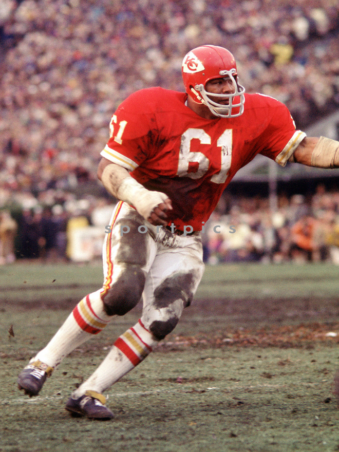 Kansas City Chiefs Curley Culp (61) during a game from his 1970 season with the Kansas City Chiefs. Curley Culp played for 16 years, with 3 different teams, was a 6-time Pro Bowler and was inducted to the Pro Football Hall of Fame in 2013. (SportPics)