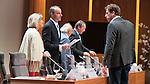 UTRECHT _ Algemene Ledenvergadering Utrecht, van de KNHB.  voorzitter Erik Cornelissen met rechts Jeroen Bijl (NOC). COPYRIGHT KOEN SUYK