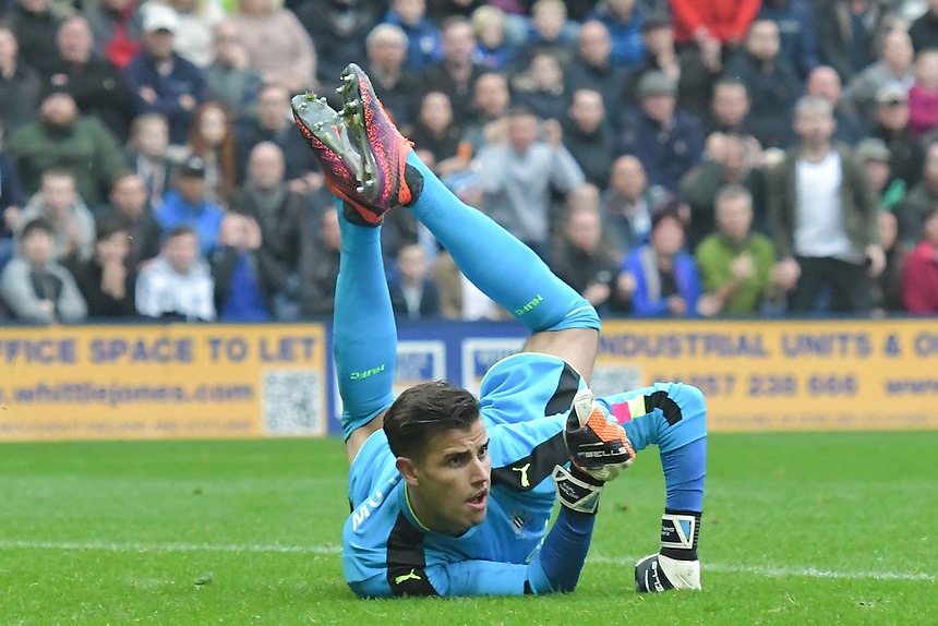 Newcastle United's Karl Darlow in action during todays match  <br /> <br /> Photographer Terry Donnelly/CameraSport<br /> <br /> The EFL Sky Bet Championship - Preston North End v Newcastle United Kingdom - Saturday 29th October 2016 - Deepdale - Preston<br /> <br /> World Copyright &copy; 2016 CameraSport. All rights reserved. 43 Linden Ave. Countesthorpe. Leicester. England. LE8 5PG - Tel: +44 (0) 116 277 4147 - admin@camerasport.com - www.camerasport.com