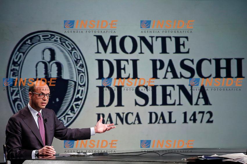 Angelino Alfano e sullo schermo il logo della banca Monte dei Maschi di Siena<br /> Roma 15-01-2017. Trasmissione Tv 'In mezz'ora'.<br /> Rome January 15th 2017. Tv show 'In mezz'ora'.<br /> Foto Samantha Zucchi Insidefoto