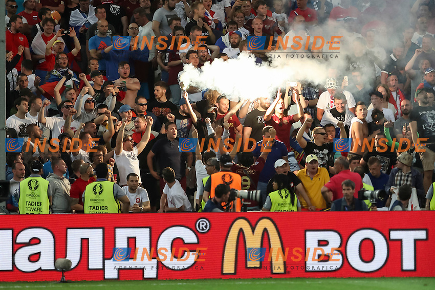 Russia fans light flares<br /> Fumogeni tifosi Russia <br /> Marseille 11-06-2016 Stade Velodrome football Euro2016 England - Russia  / Inghilterra - Russia Group Stage Group B. Foto Daniel Chesterton PHCIMAGES / PANORAMIC / Insidefoto