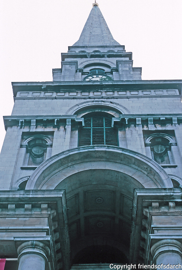 Nicholas Hawksmoor: Christ Church, Spitafields. Looking up. Photo '90.