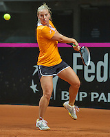 Arena Loire,  Trélazé,  France, 14 April, 2016, Semifinal FedCup, France-Netherlands, Dutch team warming up, Richel Hogenkamp<br /> Photo: Henk Koster/Tennisimages