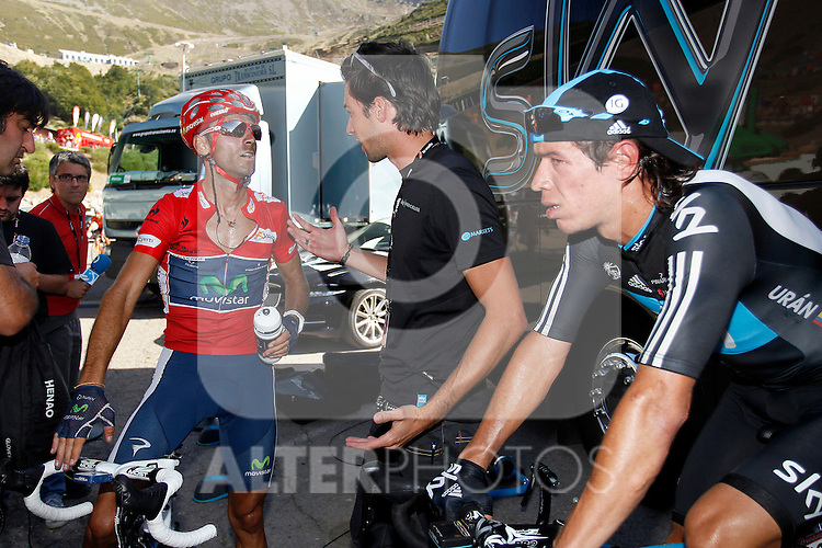 Alejandro Valverde have words with the director of Sky Procycling Team Nicolas Portal in presence of Rigoberto Uran during the stage of La Vuelta 2012 between Barakaldo and Valdezcaray.August 21,2012. (ALTERPHOTOS/Paola Otero)