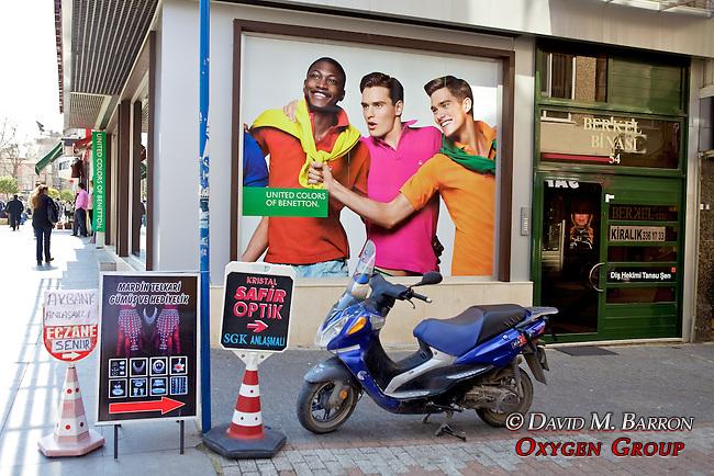 Moto & Advert
