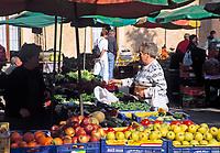 Spanien, Balearen, Mallorca, Campos: Wochenmarkt | Spain, Balearic Islands, Mallorca, Campos: farmer's market