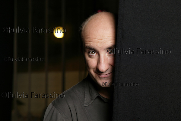 Antonio Albanese.attore, comico.Bologna, Teatro delle Celebrazioni, 16/09/2005