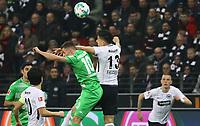 Carlos Salcedo (Eintracht Frankfurt) setzt sich durch - 26.01.2018: Eintracht Frankfurt vs. Borussia Moenchengladbach, Commerzbank Arena