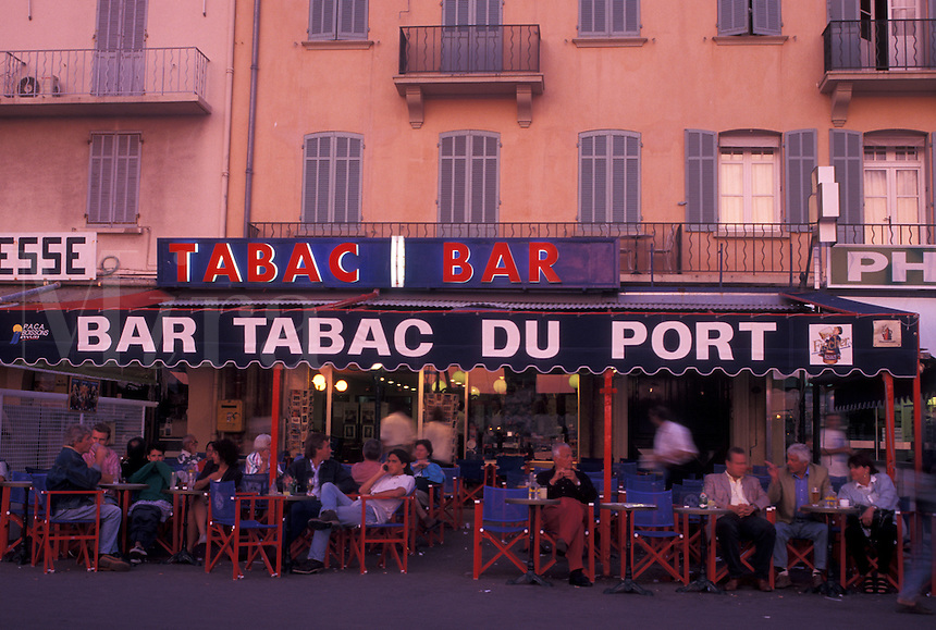 outdoor café, St. Tropez, France, Cote d' Azur, Provence, Var, Europe, Outdoor cafes along the waterfront in Saint Tropez in the evening on the Mediterranean Sea.