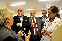 SAO PAULO, SP, 29 DE AGOSTO 2012 – O candidato a prefeitura da cidade José Serra acompanhado pelo vereador Natalini esteve presente no Projeto Mãe Paulistana durante esta tarde no centro da capital. (FOTO: THAIS RIBEIRO / BRAZIL PHOTO PRESS).