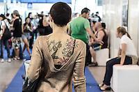 SÃO PAULO, 20.07.2013. Movimentação durante o Tattoo Week SP – 2013, encontro internacional de tatuadores e body piercers que reune grandes nomes da arte no corpo em São Paulo, Local: Expo Center Norte região norte da capital paulista, o evento termina amanhã dia 20. (Foto: Adriano Lima / Brazil Photo Press).