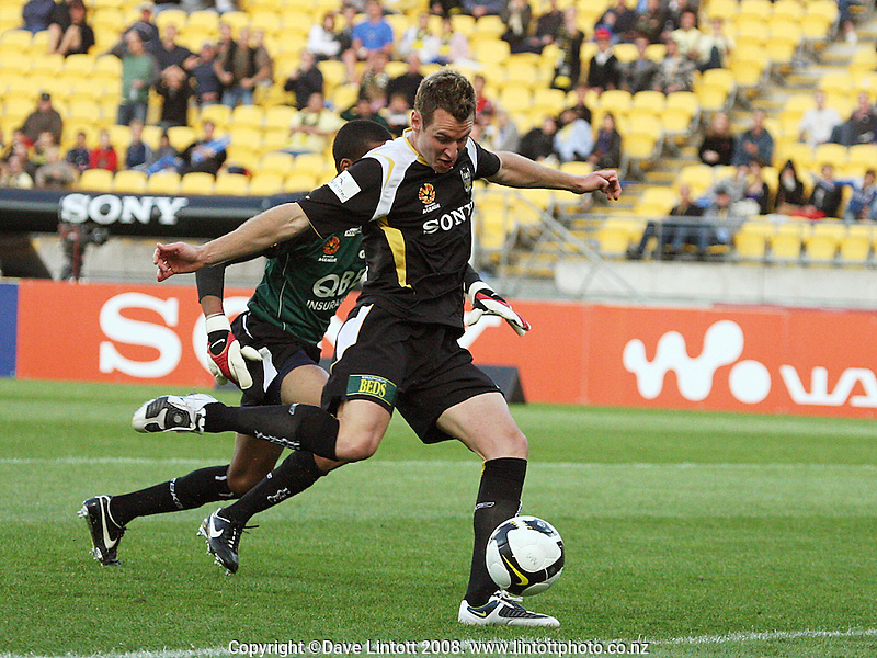 Having beaten the keeper, Shane Smeltz misses an open goal during the A-League football match between the Wellington Phoenix and Perth Glory at Westpac Stadium, Wellington, New Zealand on Saturday, 13 December 2008. Photo: Dave Lintott / lintottphoto.co.nz