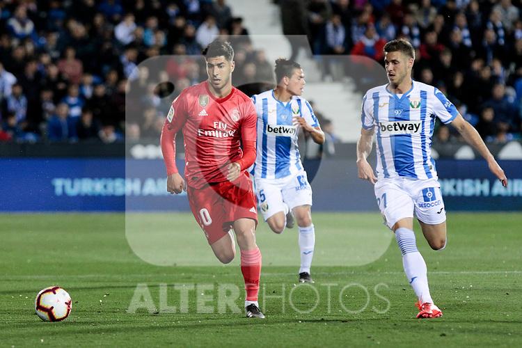CD Leganes's Ruben Perez and Real Madrid's Francisco Alarcon 'Isco' during La Liga match between CD Leganes and Real Madrid at Butarque Stadium in Leganes, Spain. April 15, 2019. (ALTERPHOTOS/A. Perez Meca)