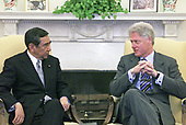 United States President Bill Clinton meets with Foreign Minister Yohei Kono of Japan in the Oval Office of the White House in Washington, DC on Friday, February 18, 2000.<br /> Mandatory Credit: David Scull / White House via CNP