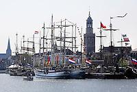 Boten liggen aan de kade bij Sail Kampen