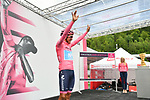 Maglia Rosa Richard Carapaz (ECU) Movistar Team at sign on before Stage 17 of the 2019 Giro d'Italia, running 181km from Commezzadura (Val di Sole) to Anterselva / Antholz, Italy. 29th May 2019<br /> Picture: Massimo Paolone/LaPresse | Cyclefile<br /> <br /> All photos usage must carry mandatory copyright credit (© Cyclefile | Massimo Paolone/LaPresse)