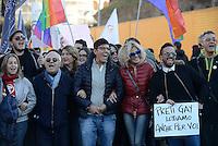 Roma, 12 Dicembre 2015<br /> Imma Battaglia e Eva Grimaldi<br /> Scateniamoci, la marcia dei diritti.<br /> A Roma in piazza per il diritto di amare liberamente, per la genitorialità e il contrasto della violenza di genere, contro omofobia e discriminazioni.