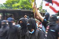 RIO DE JANEIRO, RJ, 30 DE JUNHO DE 2013 -MANIFESTAÇÃO FINAL COPA DAS CONFEDERAÇÕES- Manifestantes saem da Praça Saens Pena em direção ao Maracanã onde será a final da Copa das Confederações, com o jogo Brasil x Espanha, na tarde deste domingo, 30 de junho, no Maracanã, zona norte do Rio de Janeiro.FOTO:MARCELO FONSECA/BRAZIL PHOTO PRESS