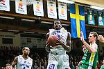 S&ouml;dert&auml;lje 2014-03-25 Basket SM-kvartsfinal 1 S&ouml;dert&auml;lje Kings - J&auml;mtland Basket :  <br /> J&auml;mtlands Brandon Peterson tar en retur<br /> (Foto: Kenta J&ouml;nsson) Nyckelord:  S&ouml;dert&auml;lje Kings SBBK J&auml;mtland Basket SM Kvartsfinal Kvart T&auml;ljehallen