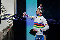 A flower-throwing Peter Sagan (SVK/Bora-Hansgrohe) crowns himself World Champion for the 3rd (successive) time <br /> <br /> Men Elite Road Race<br /> <br /> UCI 2017 Road World Championships - Bergen/Norway