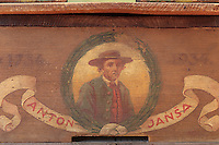 Anton Jansa (1734-1773) is the most famous of the Slovenian beekeepers' apiaries.///Anton Jansa (1734-1773), c'est le plus célèbre des apiculteurs slovènes.