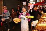 Vitoria Gasteiz-Capital de la Gastronomia 2014.<br /> Presentacion en Barcelona-Mercat de la Boqueria.<br /> Los actores Charo Martinez y David Lopez, relacionandose con clientes y paradistas del Mercat de la Boqueria.