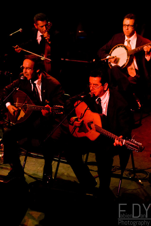El gusto playing for the festival Au fil des voix, at the Alhambra in Paris.