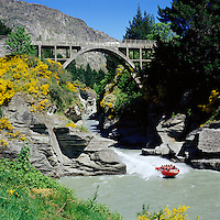 New Zealand, South Island, Shotover River near Queenstown: Jet Boating | Neuseeland, Suedinsel, Queenstown: Jet Boating auf dem Shotover River bei Queenstown