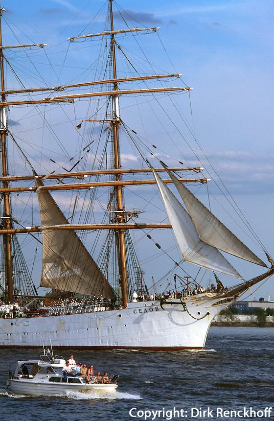 Deutschland, Hamburg, Segelschiff Sedow,beim Hafengeburtstag