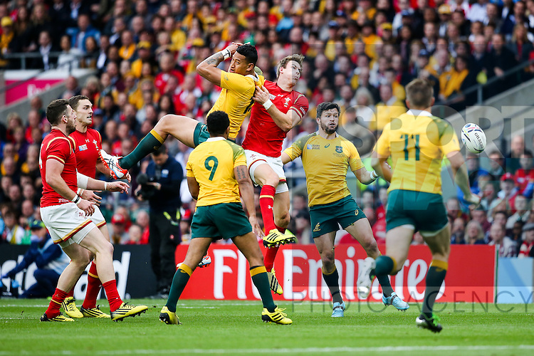 Wales' Liam Williams and Australia's Israel Folau go up for a ball - Rugby World Cup 2015 - Pool A - Australia v Wales - Twickenham Stadium - London- England - 10th October 2015 - Picture Charlie Forgham Bailey/Sportimage