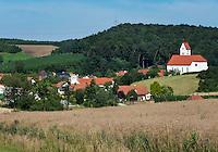 Deutschland, Bayern, Oberbayern, Hopfenanbaugebiet Hallertau (Holledau), Stadt Geisenfeld, Ortsteil Rottenegg | Germany, Upper Bavaria, hop-planting area Hallertau (Holledau), town Geisenfeld, district Rottenegg