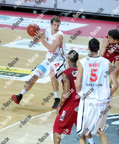 11-12-10 / Basketbal / seizoen 2011-2012 / Antwerp Giants - Charleroi / Michael Roll..Foto: Mpics.be
