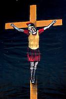 Roma 16 Aprile 2012.Manifestazione dei Centurioni contro la decisione della Sovraintendenza di Stato e del Comune di Roma di vietare la loro presenza al Colosseo. Centurione Crocifisso