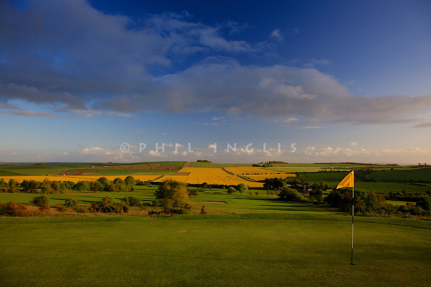 6th green Par 3 North Wilts Golf Club, Bishops Canning, Devizes, Wiltshire. Picture Credit / Phil Inglis