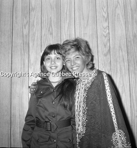le duo les Scarabees<br /> <br /> (date inconnue, avant 1984),<br /> <br /> Photo : Agence Quebec Presse - Roland Lachance