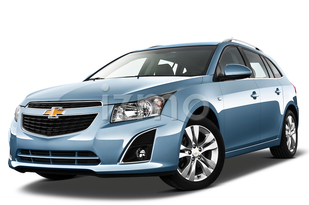 Low aggressive front three quarter view of a 2013 Chevrolet Cruze SW LTZ wagon