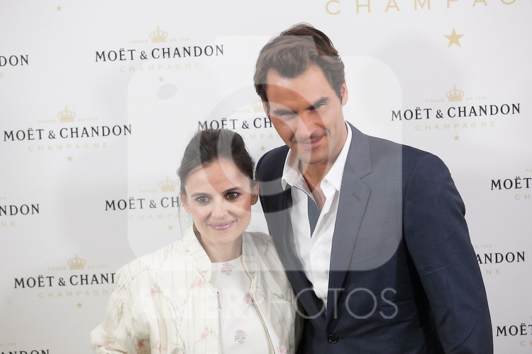 Swiss tennis player Roger Federer and actress Elena Anaya pose during Moet & Chandon event in Madrid, Spain. May 05, 2015. (ALTERPHOTOS/Victor Blanco)