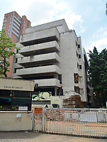 MEDELLIN - COLOMBIA, 21-02-2019: El edificio Mónaco que fue de propiedad del extinto narcotraficante Pablo Escobar en la exclusiva zona del Poblado en Medellín, Colombia será demolido el día de mañana, 22 de febrero de 2019. / The Monaco building that was owned by the late drug trafficker Pablo Escobar in the exclusive area of Poblado in Medellin, Colombia will be demolished tomorrow, February 22, 2019.  Photo: VizzorImage / Leon Monsalve / Cont