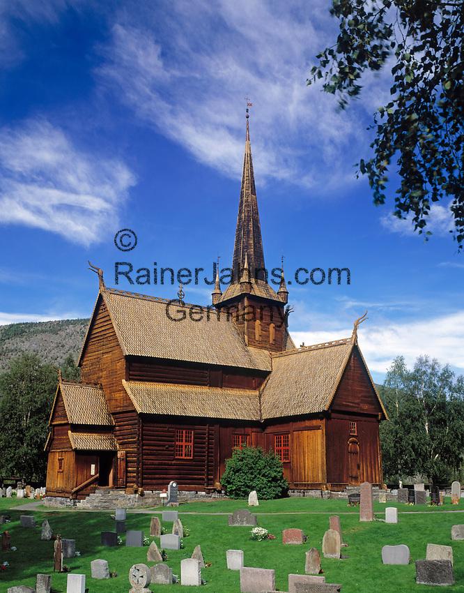 Norwegen, Oppland, Lom: Lomskyrkja - Stabkirche, erbaut 1180 | Norway, Oppland, Lom: Lomskyrkja - stav church, built 1180